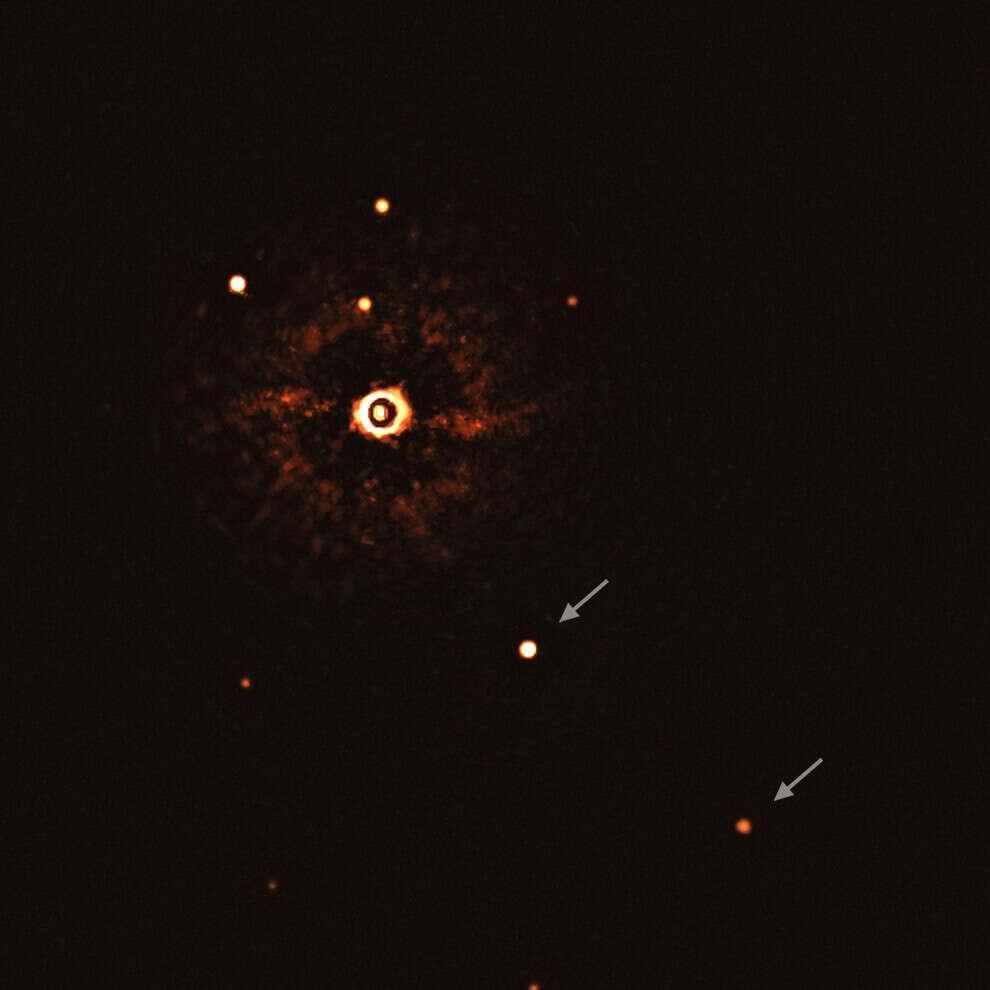 snímky hviezdy aj s planétami