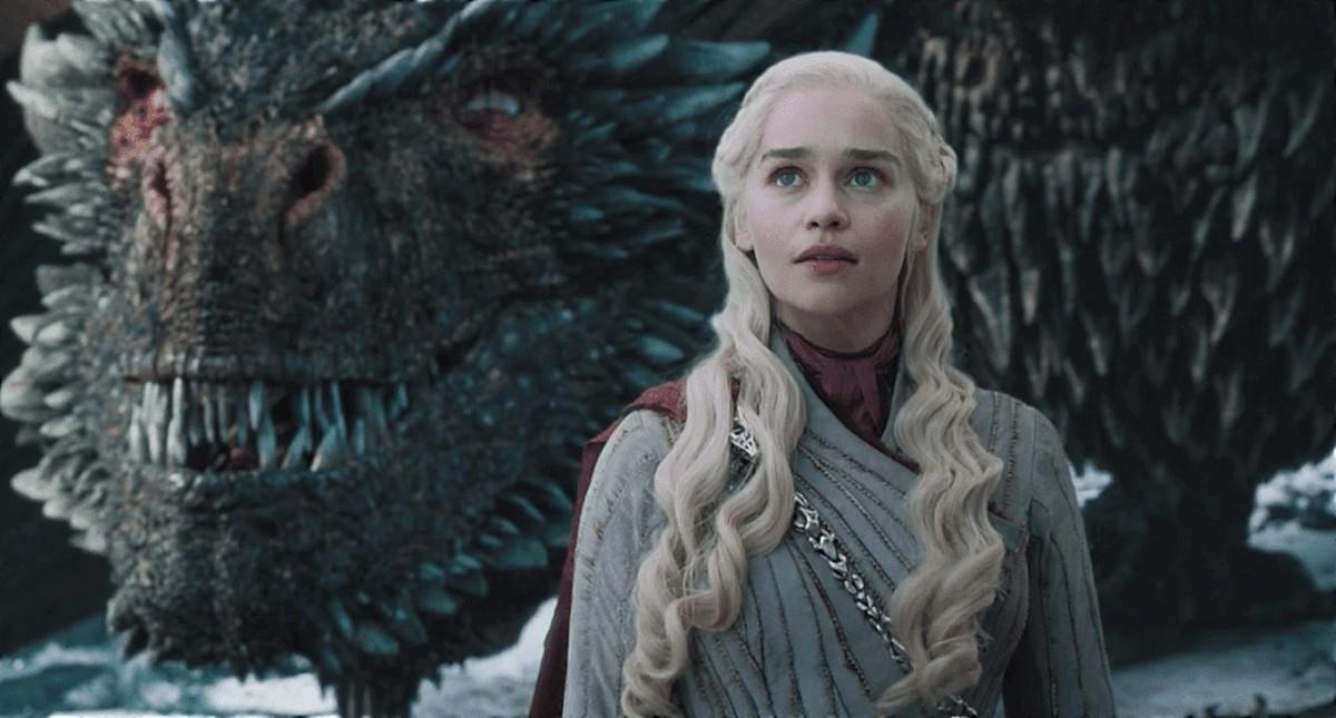 Game of Thrones Daenerys and dragon