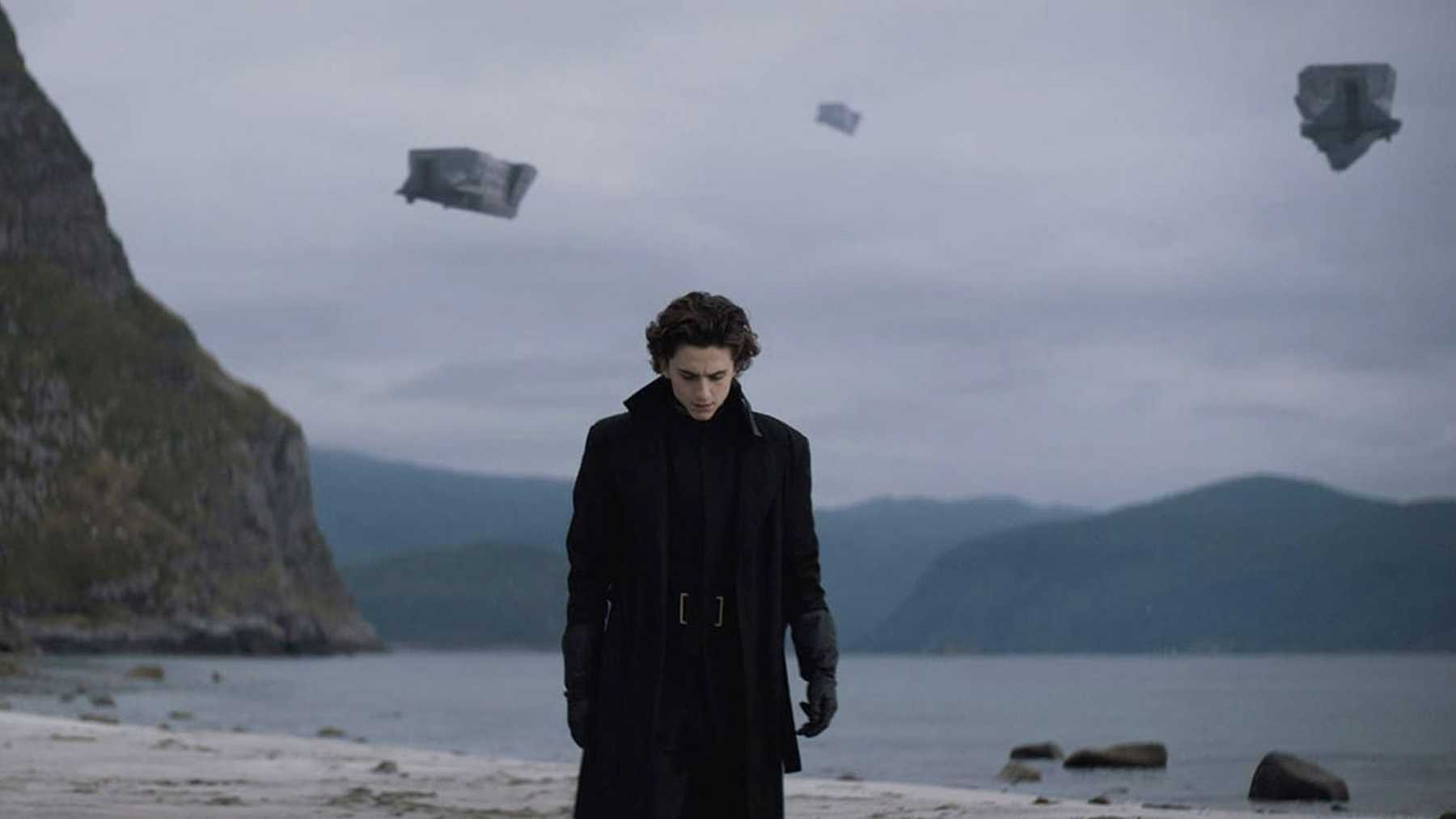 Timothée Chalamet ako Paul Atreides na planéte Caladan vo filme Dune
