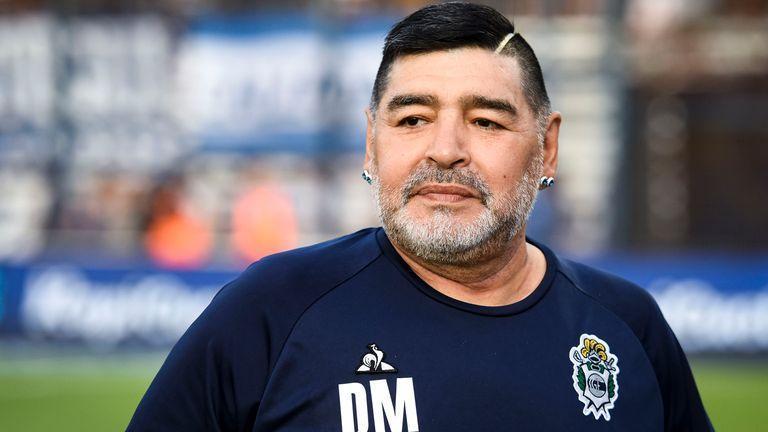 Maradona zomrel